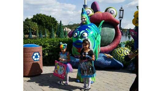 The school of fish you find at SeaWorld's Halloween Spooktacular is very friendly. Be sure to ask for a photo or two when you see them. #SeaWorldSpooktacular