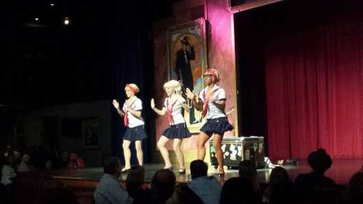 Honey, Sunny and Bunny are a trio of sister that take you on a race paced ride through their life in the 1920's. #CaponesDInnerShow