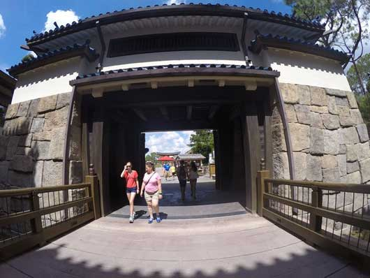 A castle most serves as an entrance/exit to the Mitsukoshi store at Epcot's Japan Pavilion. #JapanPavilion #Epcot