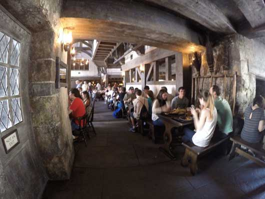 The Three Broomsticks Restaurant also has tables for your and your muggle friends to enjoy a meal in Hogsmeade. #DiagonAlley #IslandsofAdventure