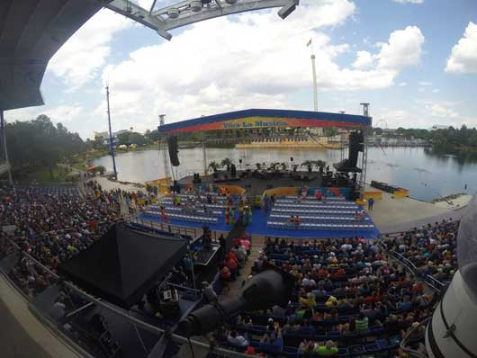 #VivaLaMusica #Seaworld The pre-show is just as good as the main event and Bayside Stadium quickly fills up. If you want floor seating you can reserve those seats for a few extra bucks.