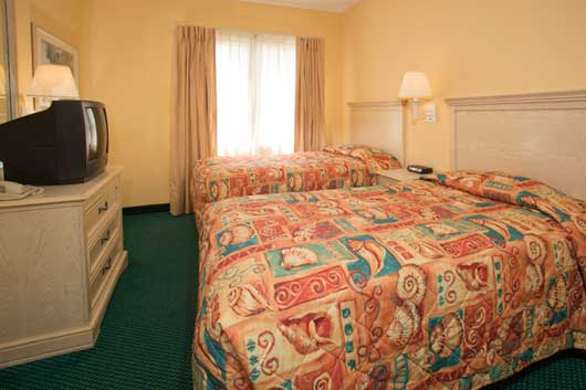 spacious two bedroom two bath suite offers plenty of space to sleep up