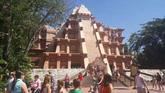 LThe main building is a Mesoamerican pyramid that also houses the main attraction in the Mexico Pavilion. #MexicoPavillion #WorldShowcase