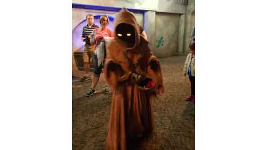 Jawas are some of the friendliest creatures in the galaxy. Ask to see what's in their satchel, these collectors always have something interesting to share. They're also happy to stand with you for a photo op. #StarWarsLaunchBay